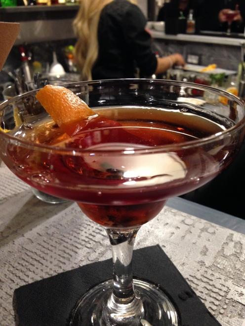 BELL- Roma-ristorante-pizzeria-via Chiana-cocktail bar