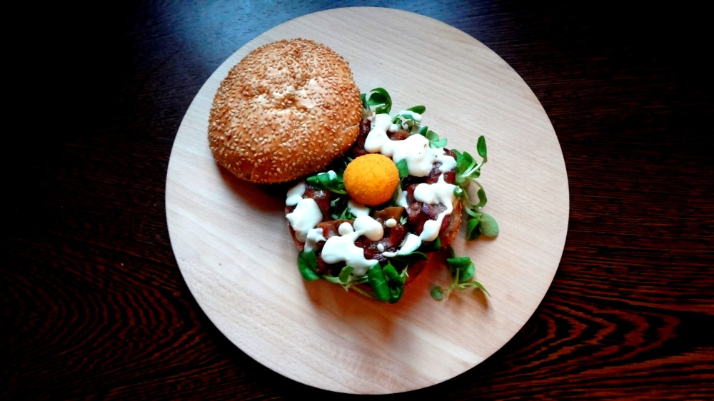 Carbonara Burger- foodporn- panino