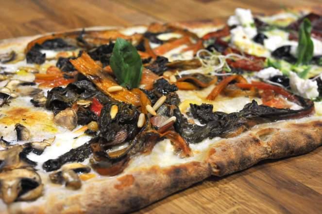 CBO pizzeria biologica- roma- mercato Parioli- pizza- pizza al taglio- pizza tonda- biologico
