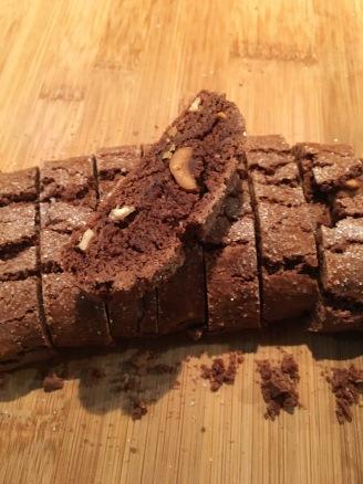 tozzetti al cacao- biscotti al cioccolato- biscotti cacao e nocciole