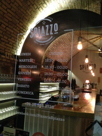 Spiazzo- pizzeria- roma- pizza e cocktail- cocktail bar- pizzeria moderna