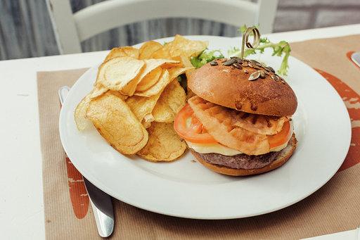buono cheeseburger 2