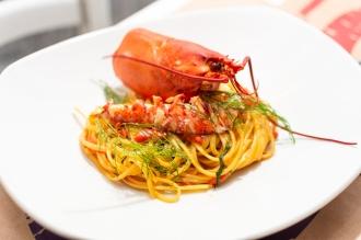 Linguine all'astice con pomodorino datterino e finocchietto selvatico 7