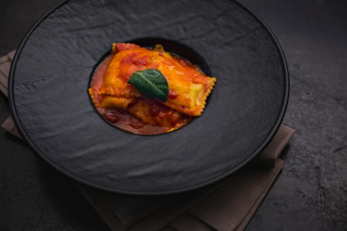 transumanza= ravioli di ricotta con salsa di pomodoro pera d_Abruzzo
